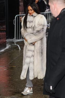 Rihanna-grey-fur-coat-gma-2014-billboard-1240