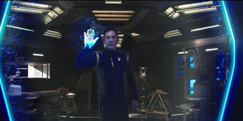 Star-Trek-Discovery-Captain-Lorca-in-Study