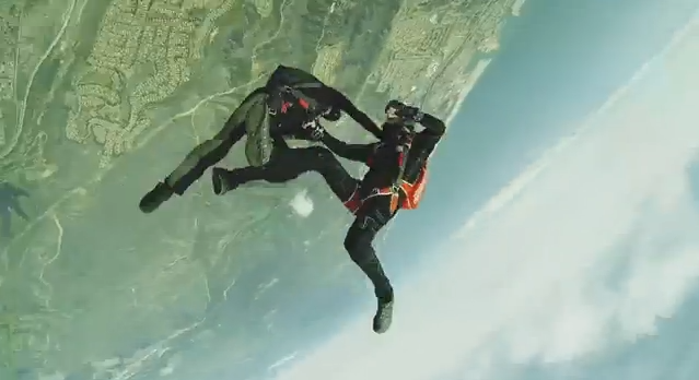 Full-contact-skydiving-fight
